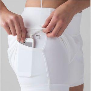 Lululemon Size 6 White Squad Goal Shorts Pockets